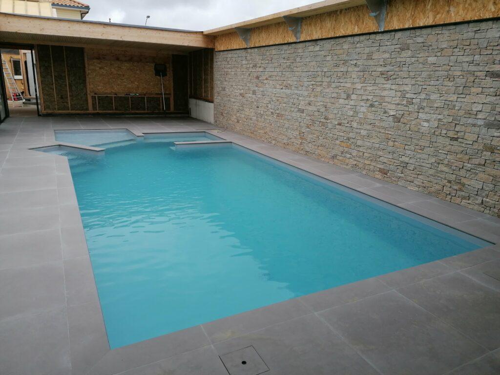 anthony-brangeon-saint-christophe-la-couperie-oree-anjou-carreleur-piscine-couverture-min